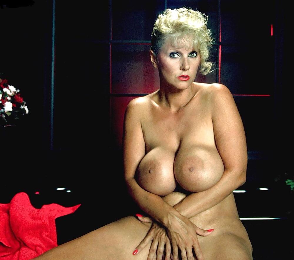 Big Boobs Hollywood Actress