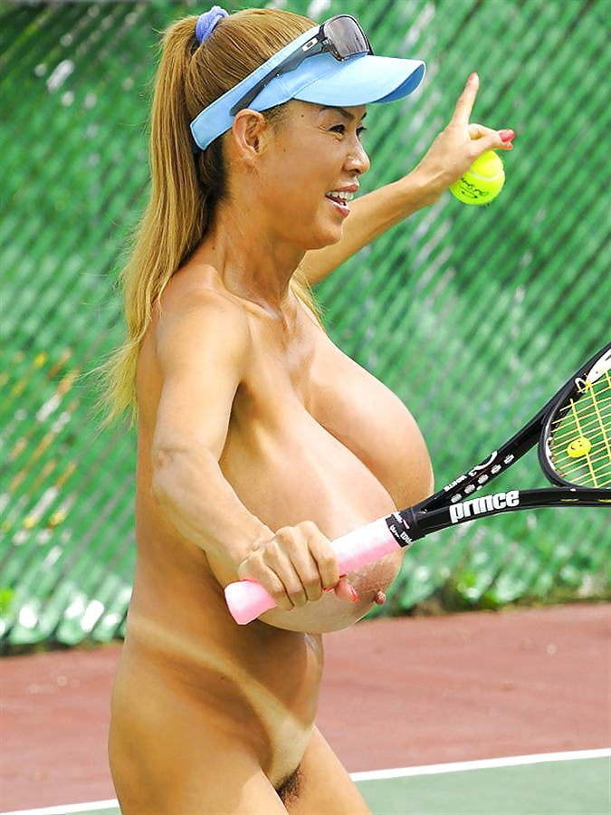 Totally nude tennis