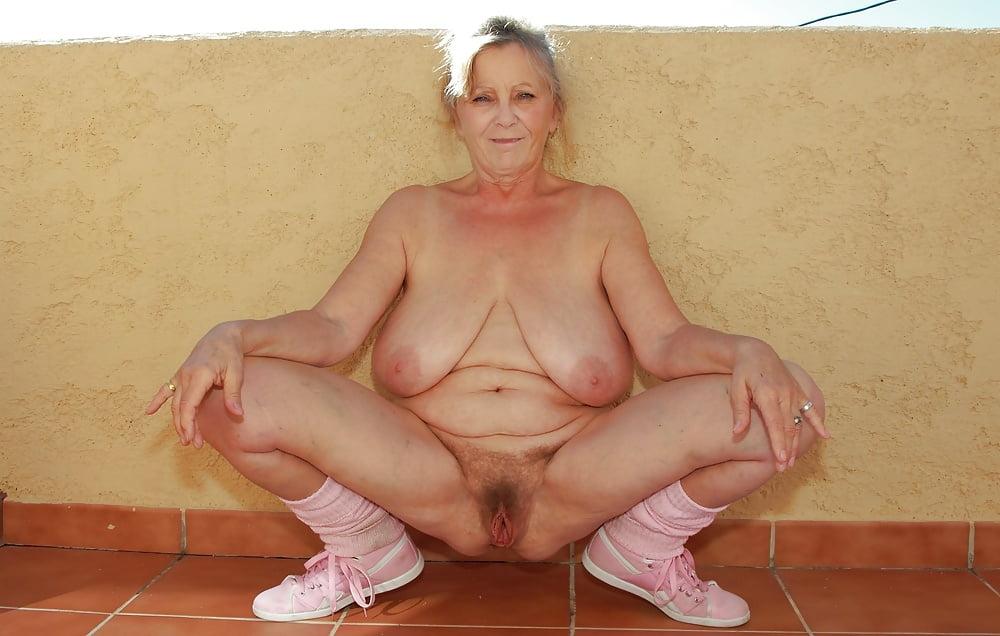 Free saggy mature fuck pics and popular saggy grandma porn galleries