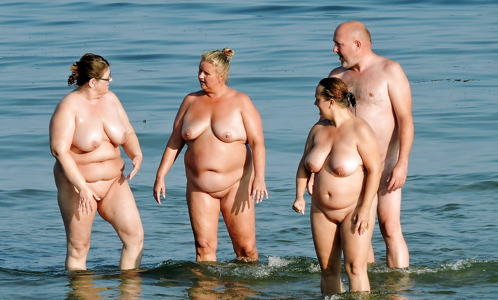 Beach nude chubby — photo 10