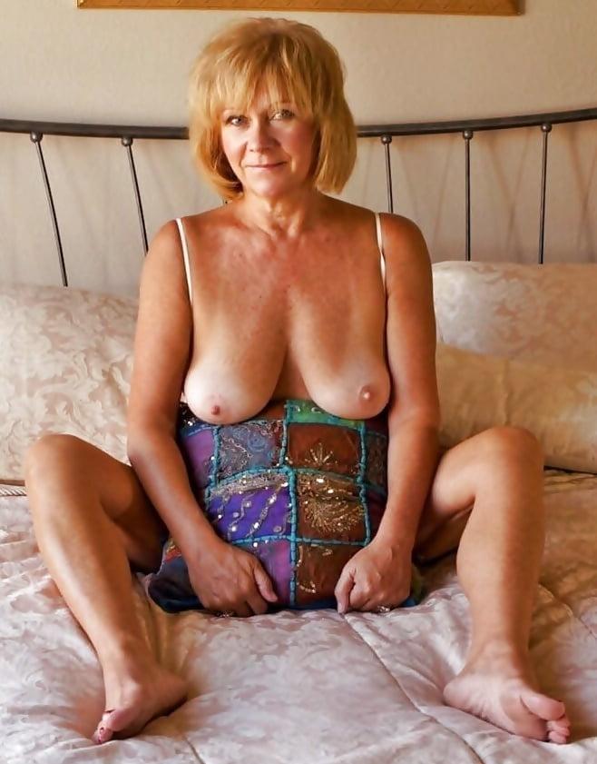 голые фото возрасте анастасия