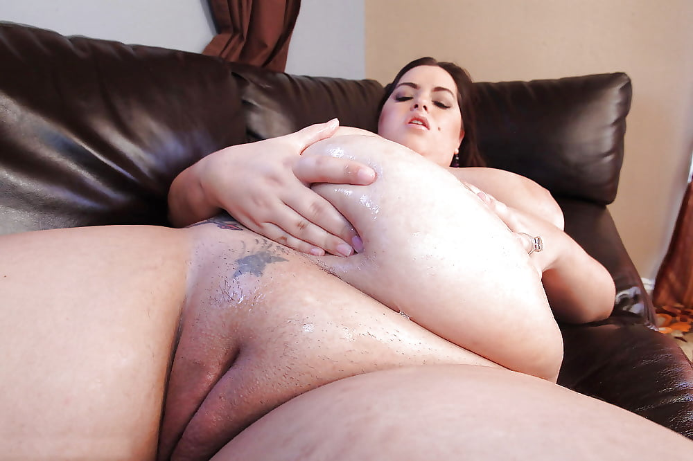Bbw big fat bitch gest slammed by long black dick