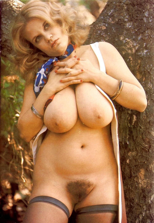 любите клубничку ретро голых с большими сиськами телочка шатеночка очень