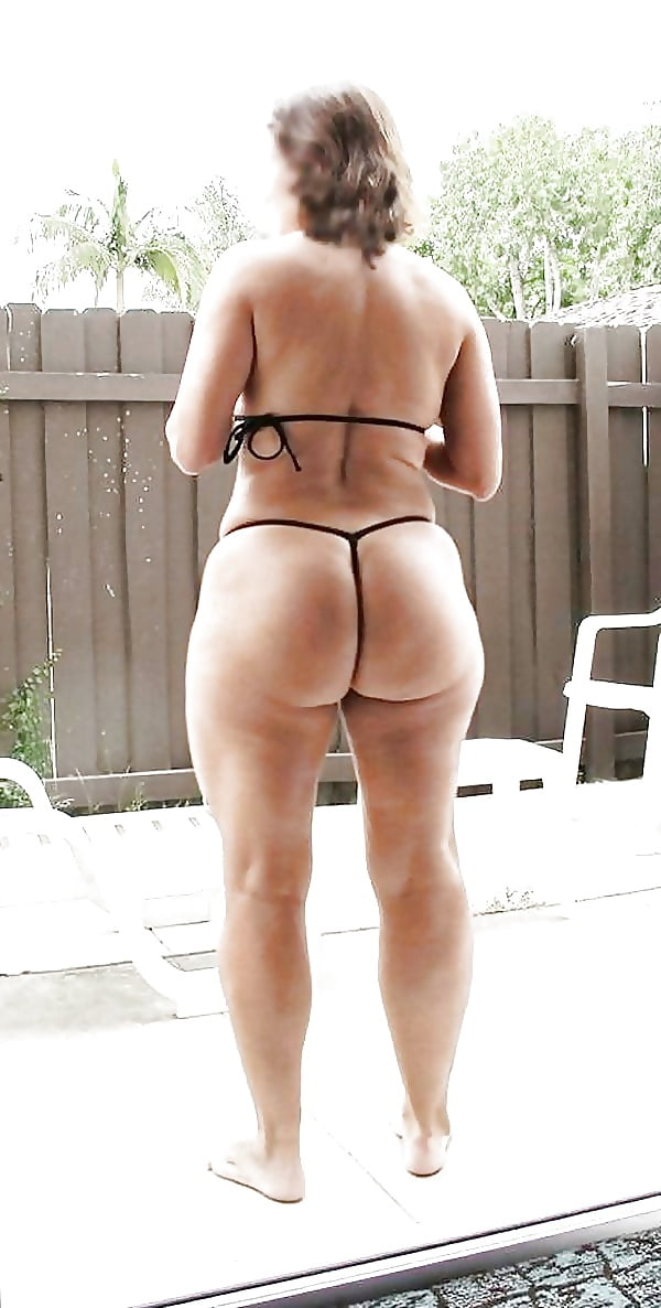 Mature thong ass