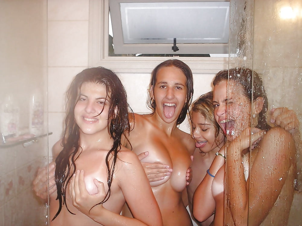 movies-college-shower-girl