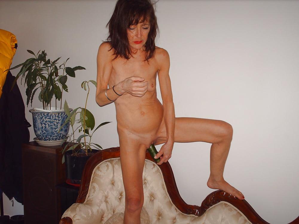 hudie-zrelie-foto-doma-na-den-rozhdeniya-sosali-chlen-striptiza