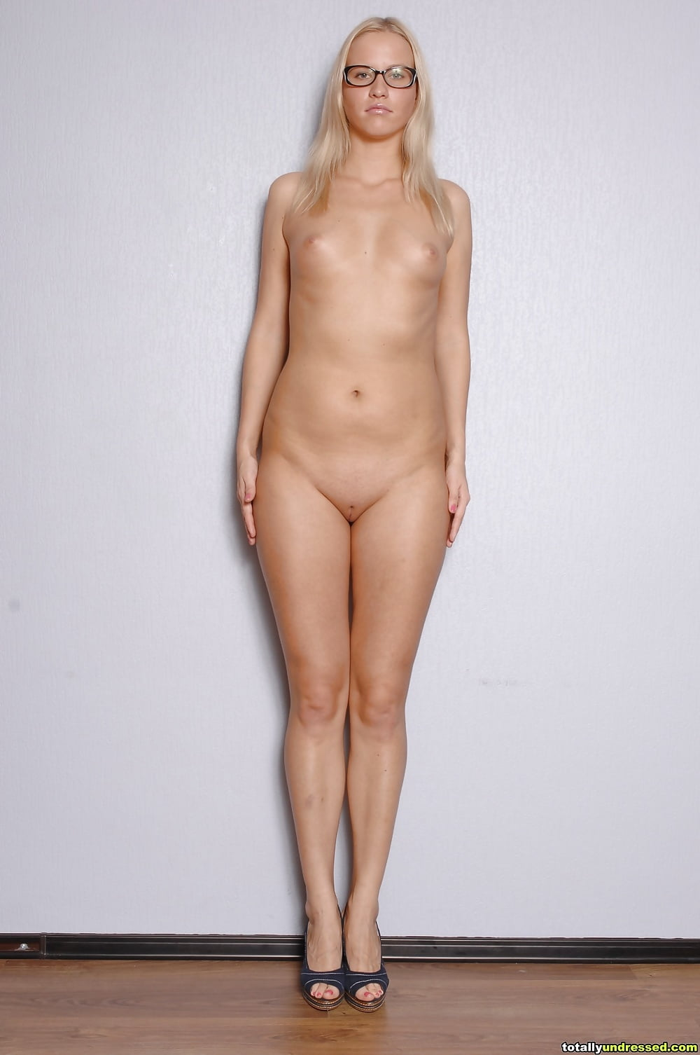 Tall nude amatures — img 5