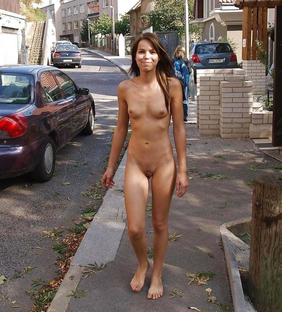 Skinny chinese girl in city park public nudity pics