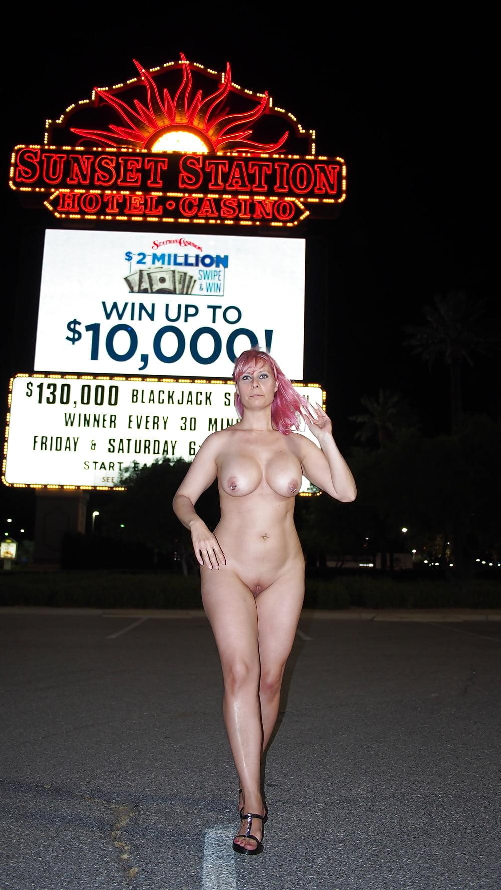 babe-vegas-naked