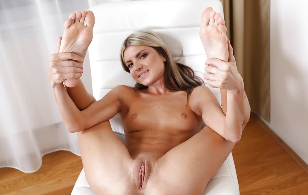 Gina Gerson 7