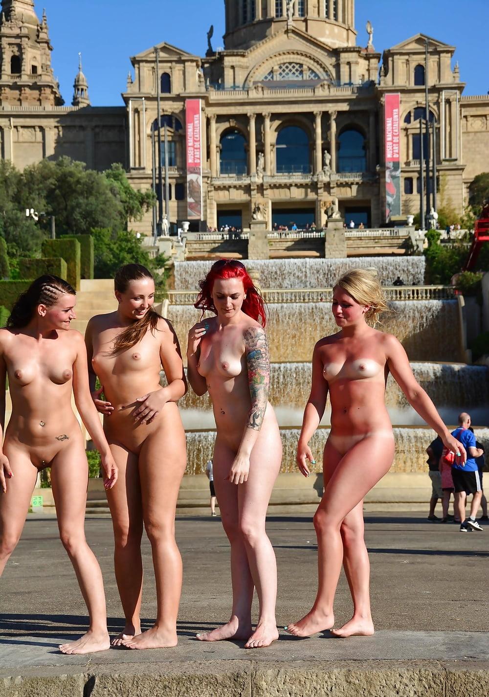 Naked nature girls