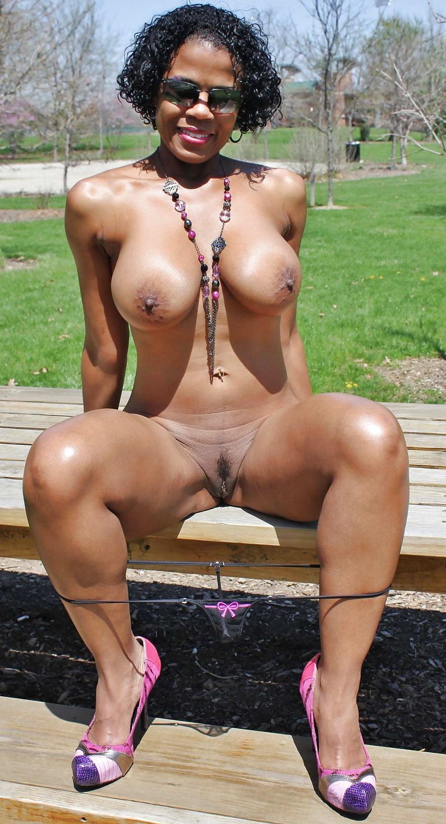 Ebony milf upskirt