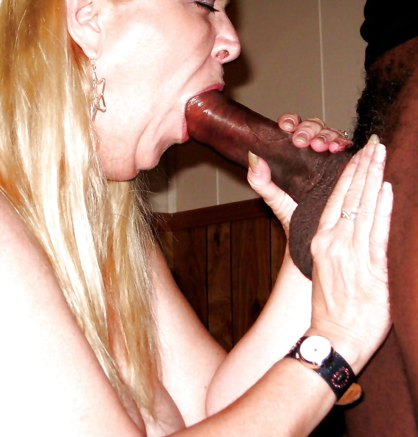 Amateur Blonde Suck A Small Dick