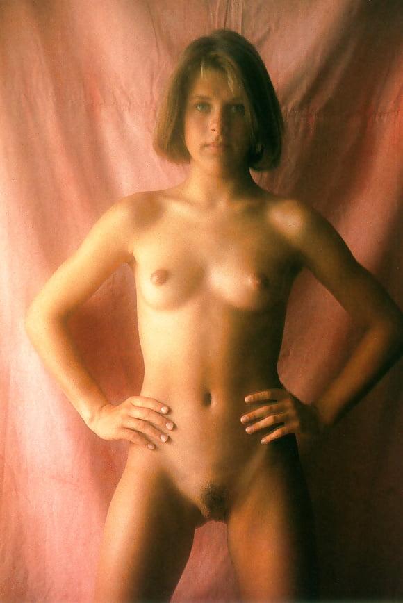 alt-binaries-pictures-erotica-voyeurism-young-russian-school-girls-masterbating