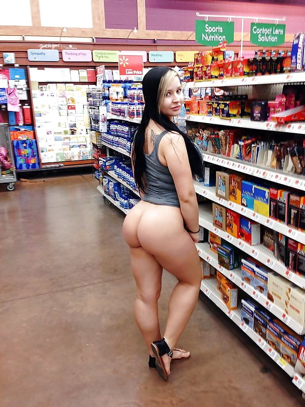 Watch woman strip naked to allegedly prove to a walmart guard she wasn't stealing
