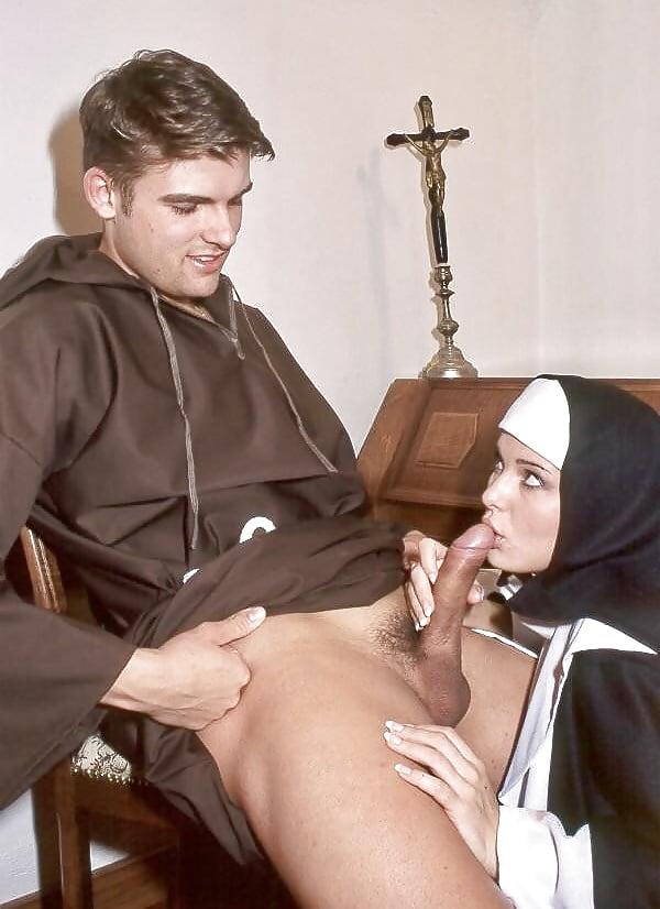 Женщины большие монах трахарь порно тетки