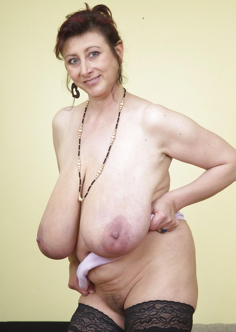 Saggy tits ebony mature