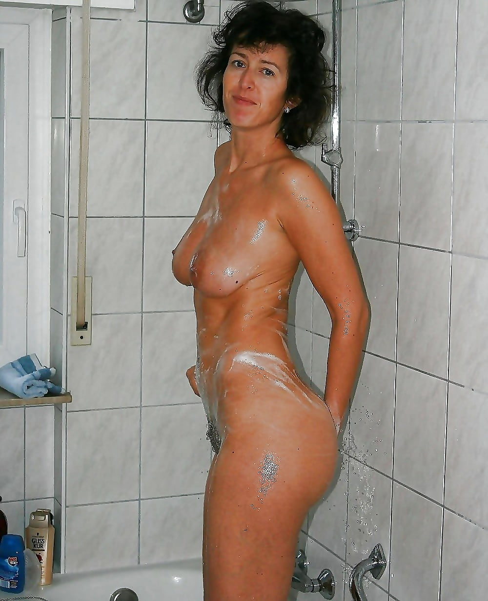 Sexy nude moms in the shower, hardcore porn granny gallery