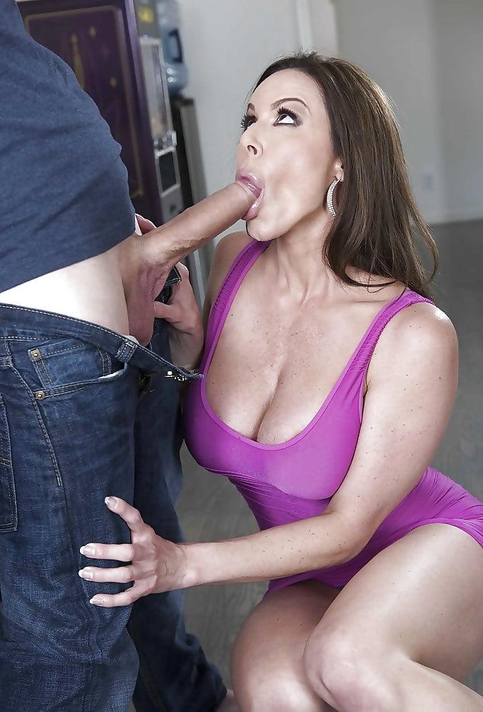 Blowjob Mommy Porn