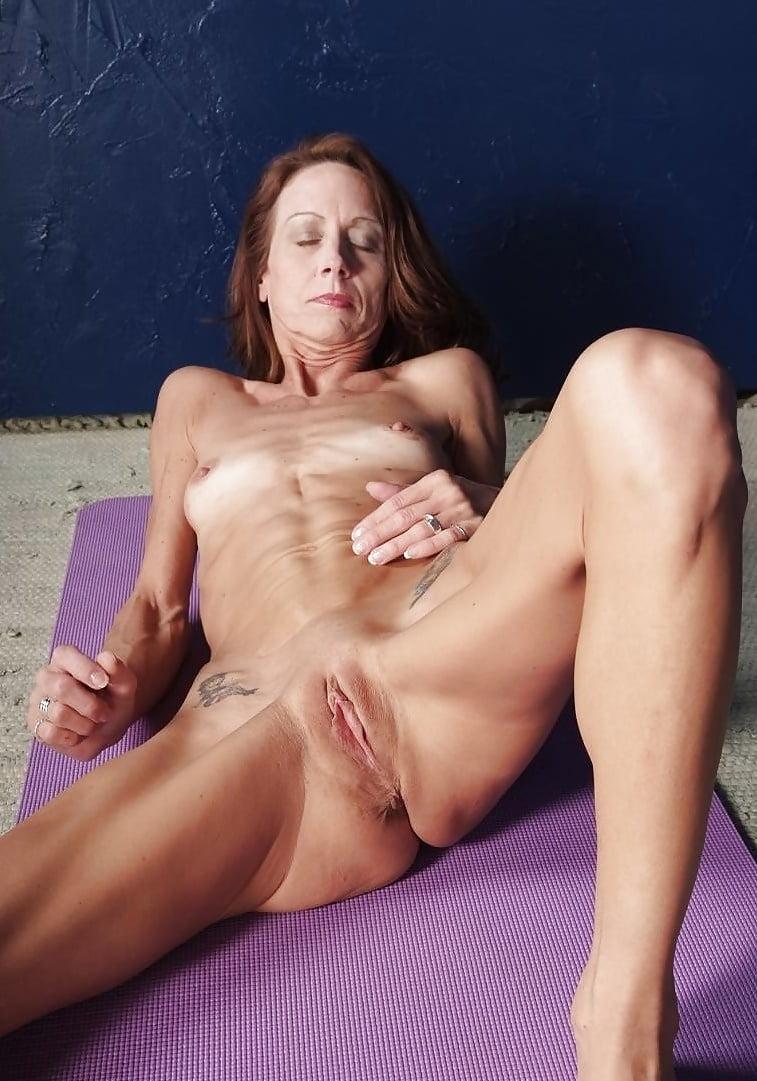 Skinny mature women xxx porno
