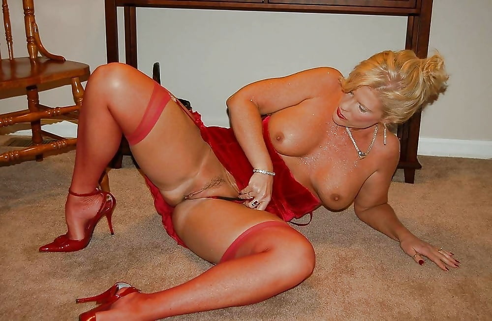 Mature for you milfs