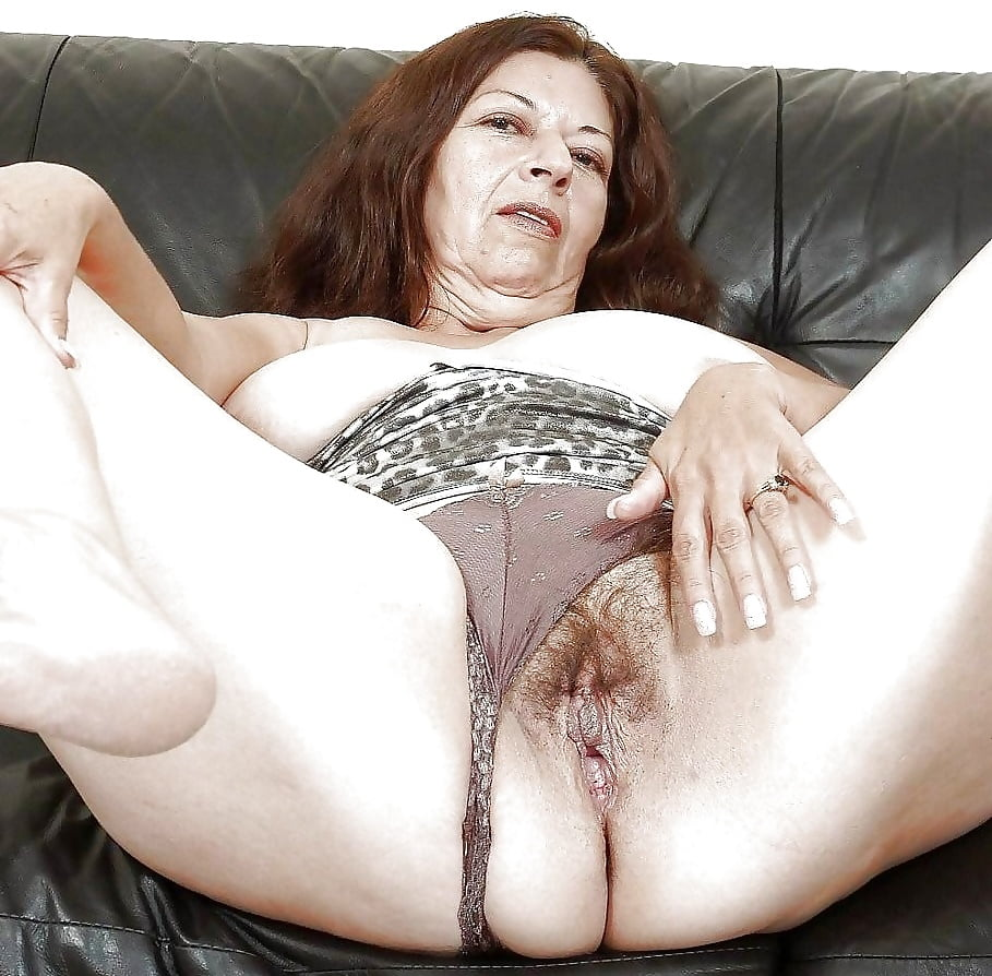 Старушки с волосатой мандой в колготках порно фото