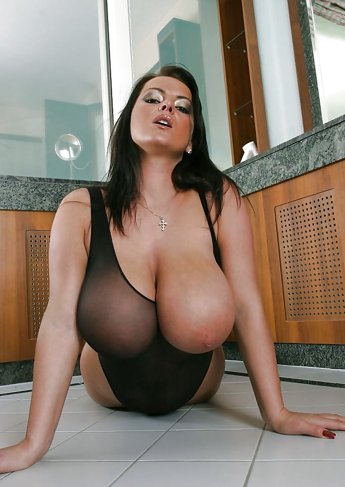 Polish Big Breasts Sensation Vivian Blush In White Lace