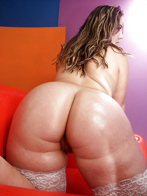 Thick czech babe with big ass and big natural tits shagging for massive cumshot