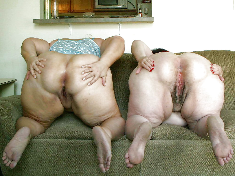 Раком стоїть жирна фото баба