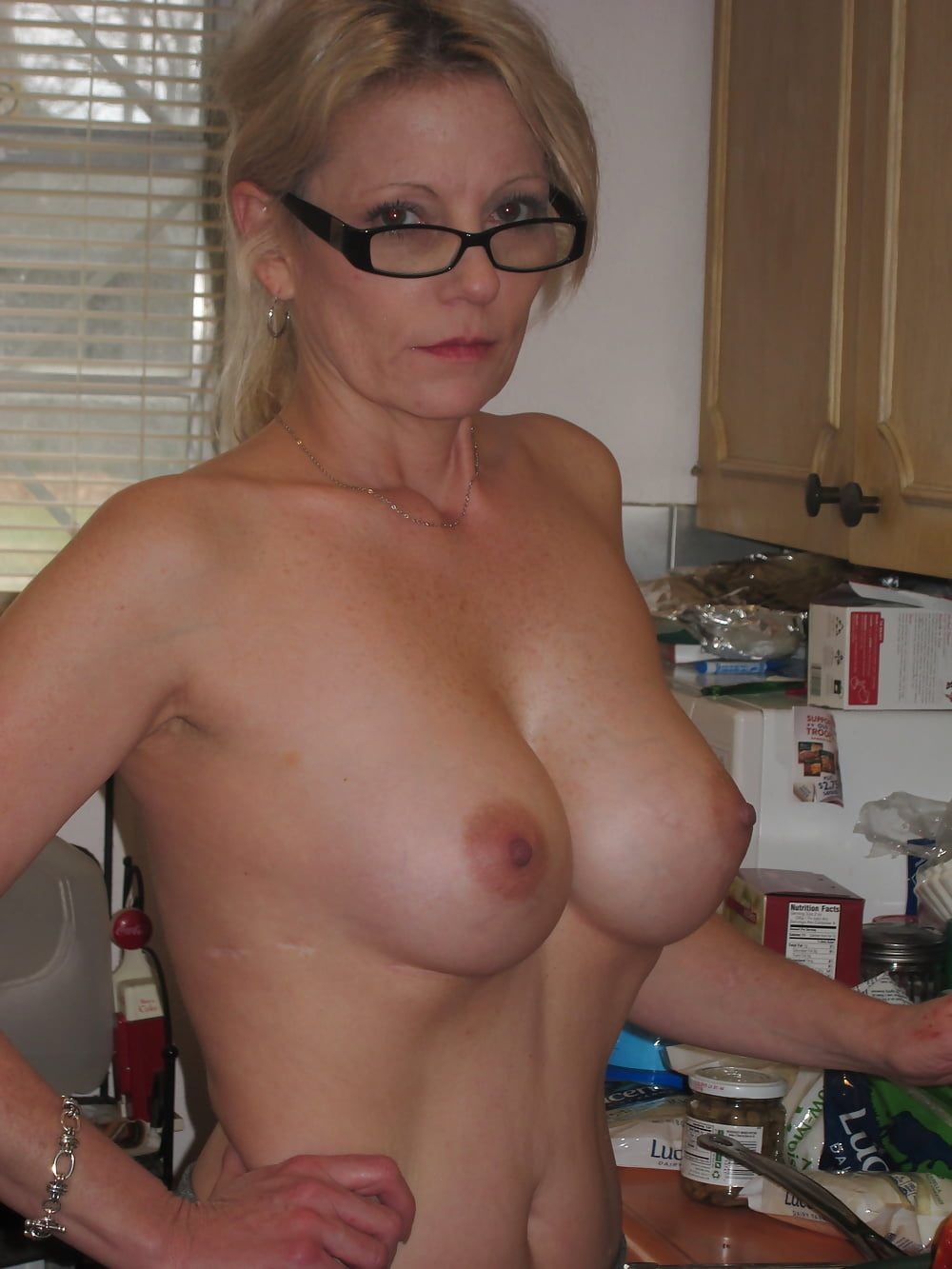 Sexy milf thumbs, bbwsister and brother sex nude pussy images