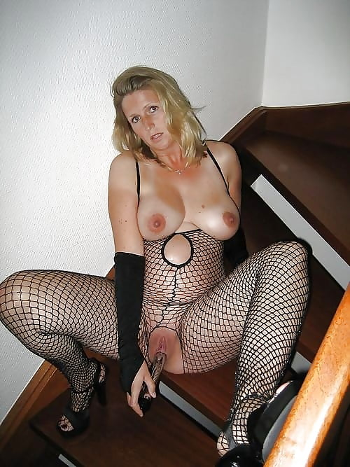 Milf Slut Fishnet Metarthunter 1