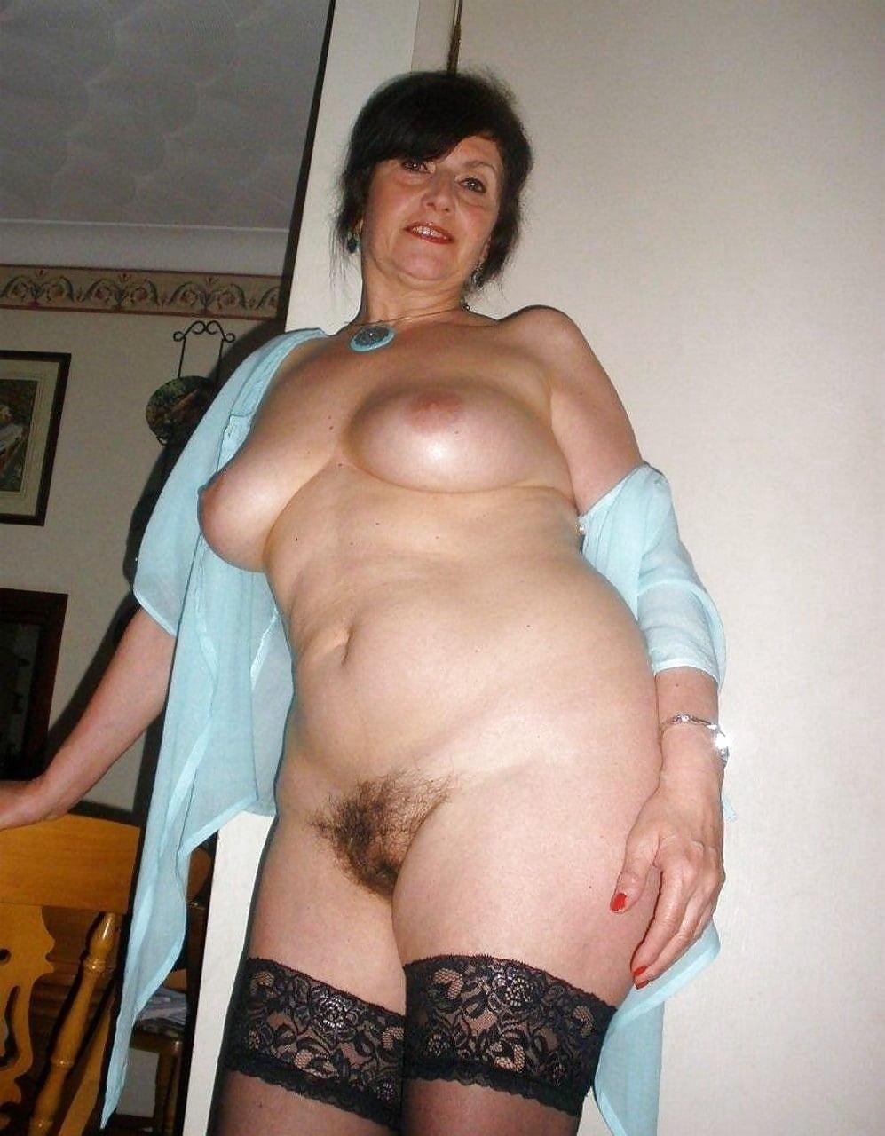 зрелые волосатые тетки фото шмара большой жопой