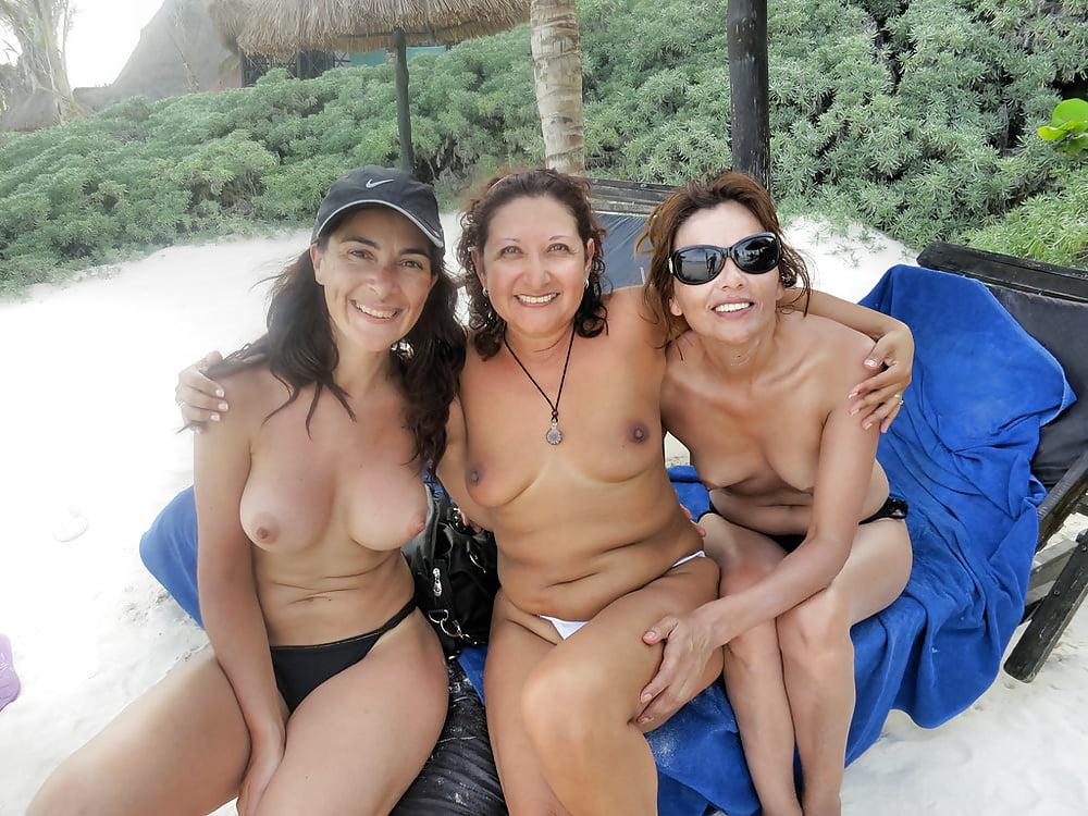 moms-topless-public
