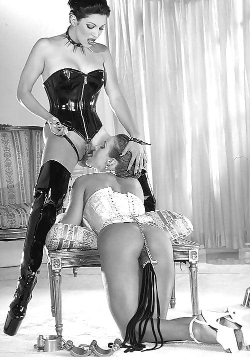 Пьяная госпожа и рабыня