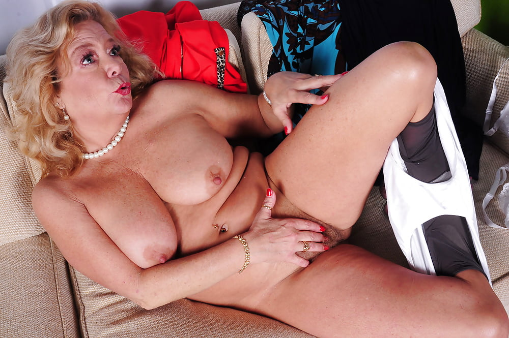 Karen Summer In Her First Ever Interracial Porn Photo