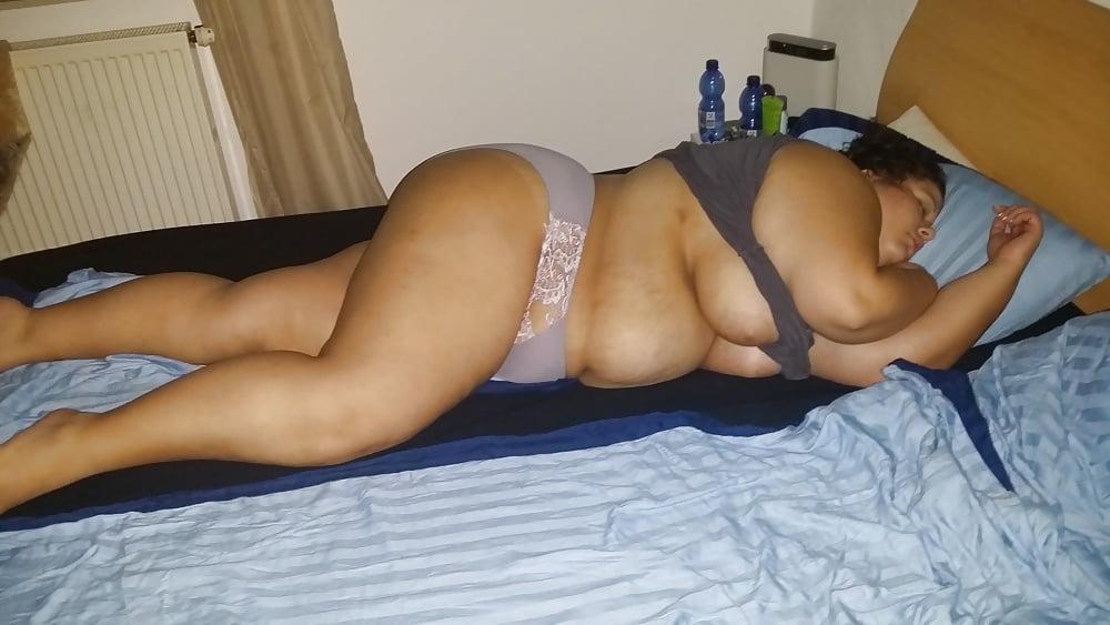 Fatty girls naked sleeping