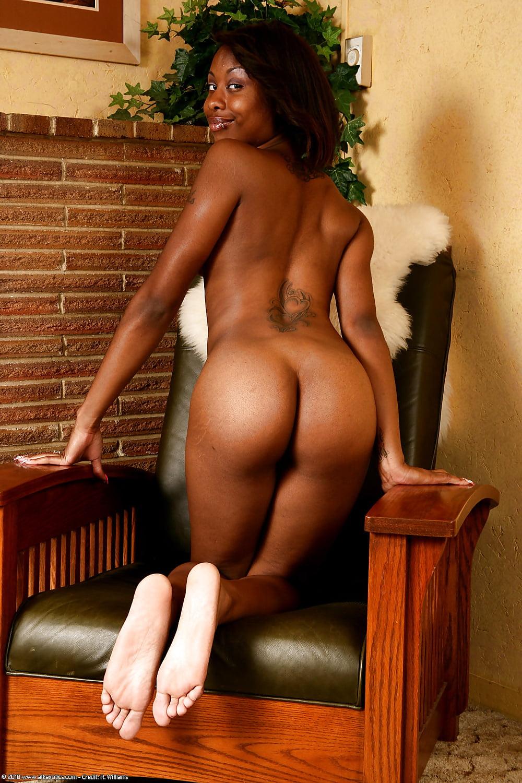 carmel-black-chick-naked-real-amateur-old-women-tube