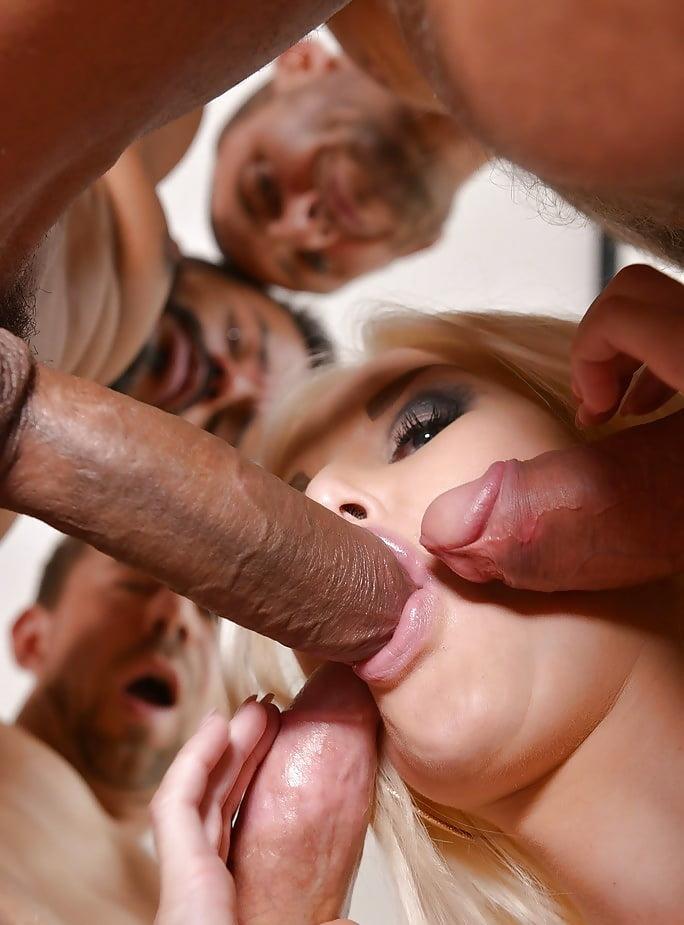 с блондинкой и три парня порно фильмы