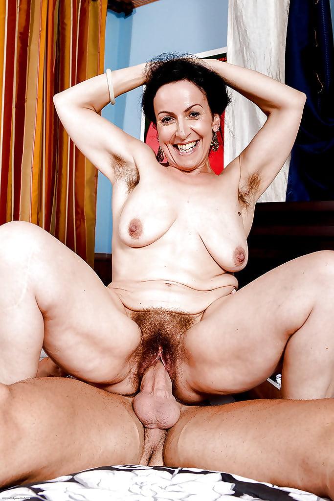 Hairy mom porn