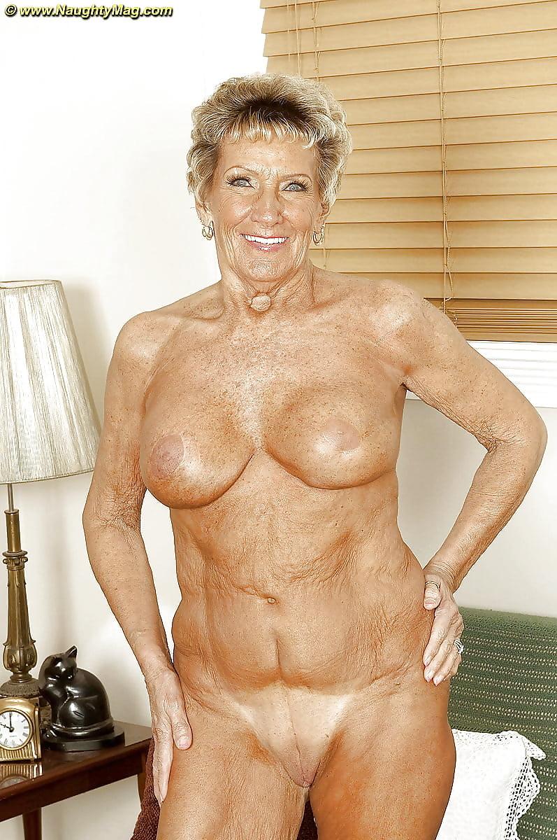 фотки красивых голых старушек категорию
