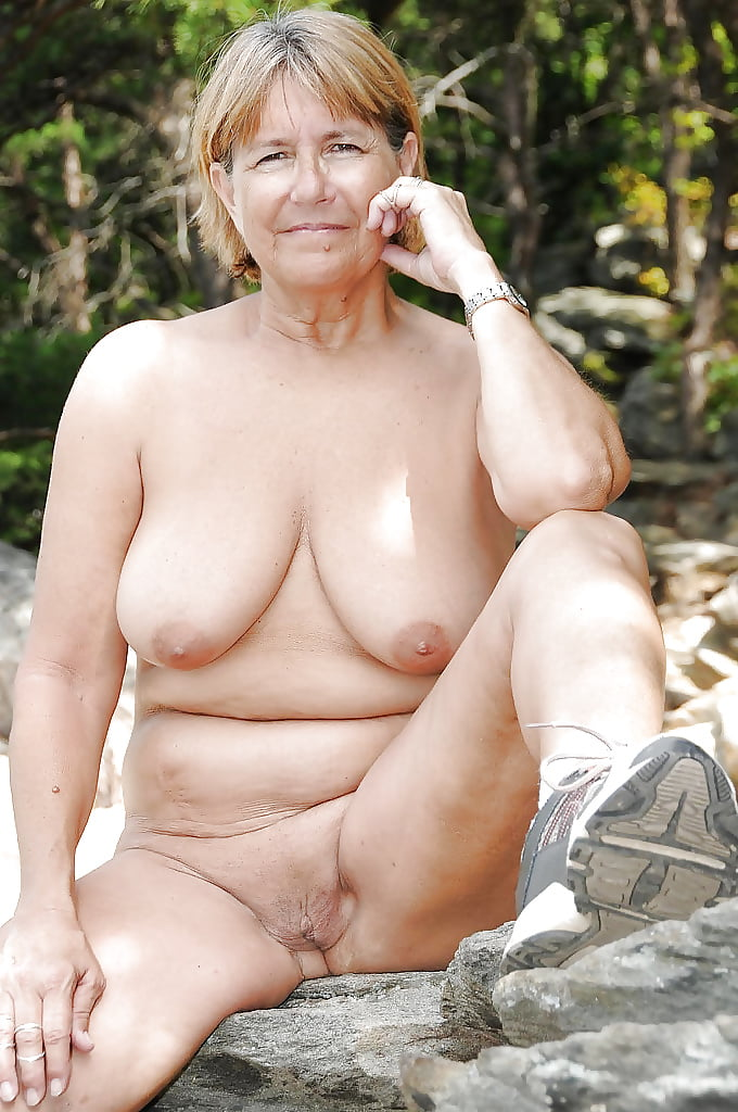 Old poon free naked mature women picture galleries mature porn pics mature woman gets her pussy