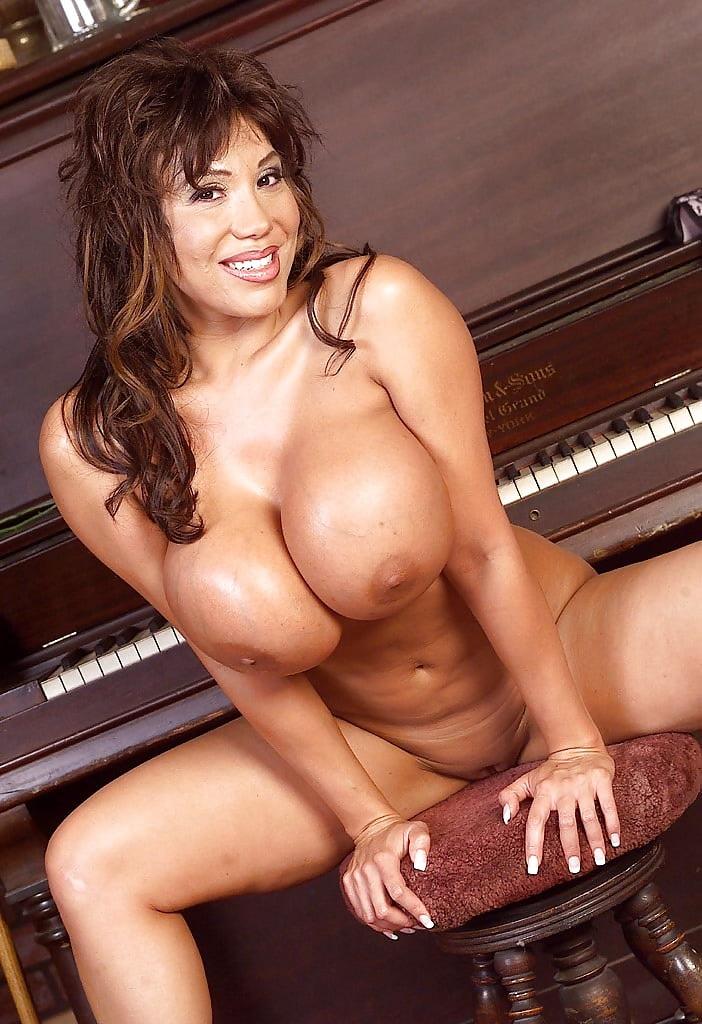 Ava devine nude photos, sexual cultutre of japan