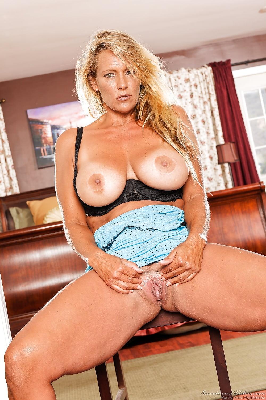 Debbie diamond sex, adolesent nude body