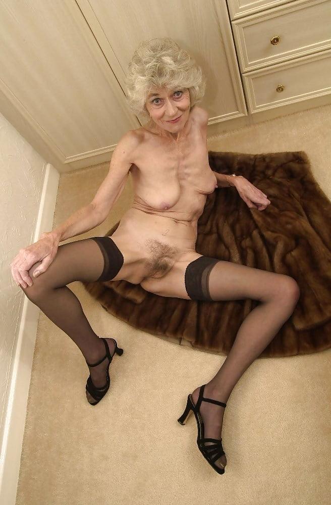 Bbb naked women