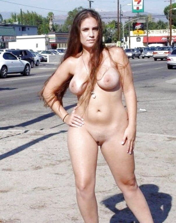 Amateur Exposed Outdoor Babepedia 1