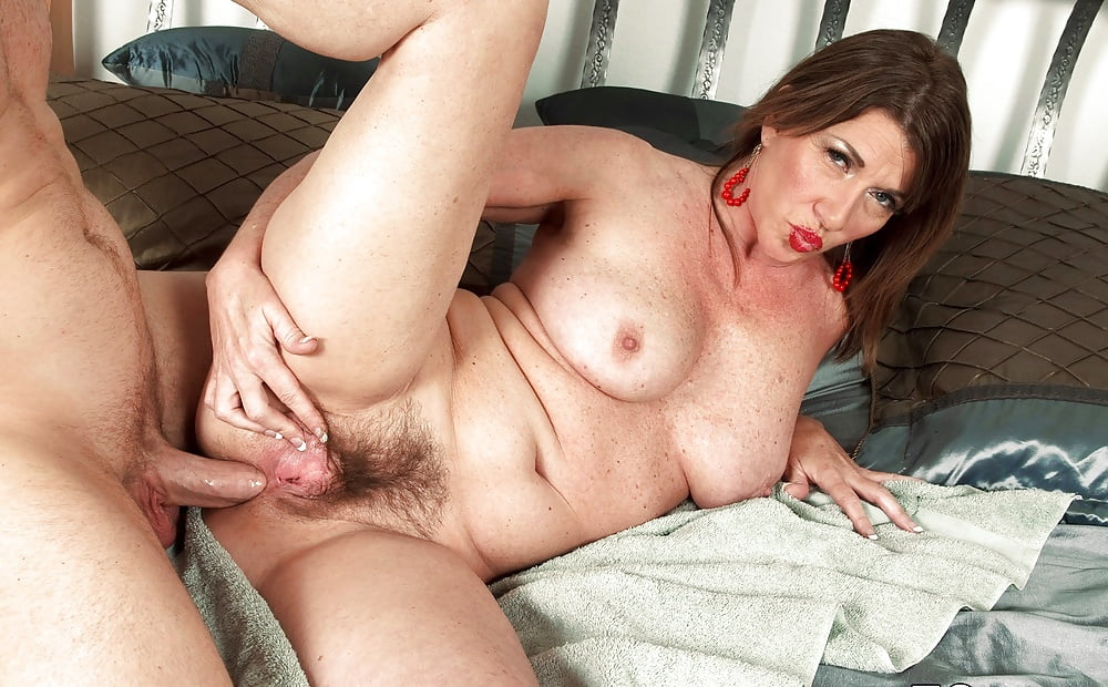 Sex Starved Granny Gets Her Old Pussy Fucked