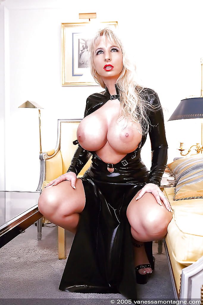 Leather Boots Babe With Big Tits And A Fat Ass Fucked Hardcore