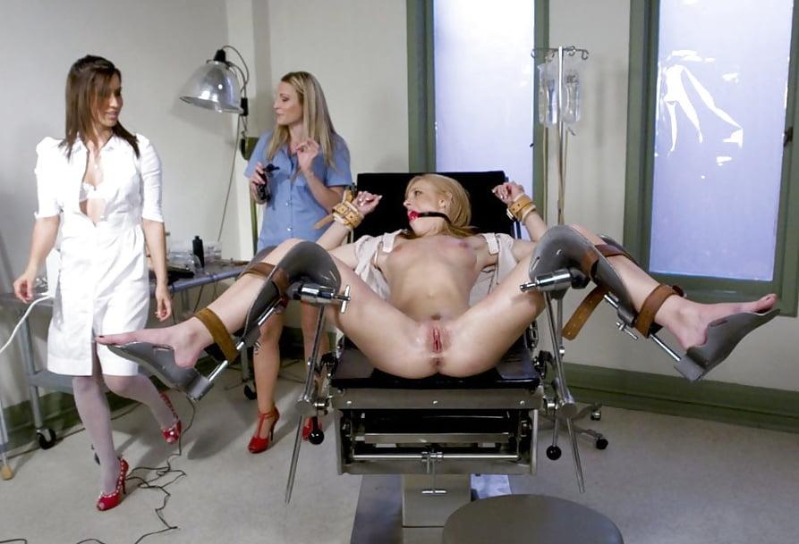 Мужик на гинекологическом кресле смотреть онлайн, показать как ебутся старые женщины
