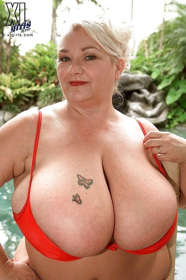 Big tits mature xl breasts