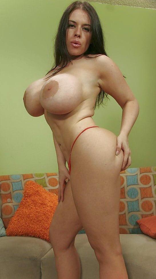 Download Colombian Slut Bianka Stripteasing And Dancing